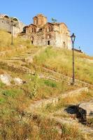 de orthodoxe kerk van de heilige drie-eenheid in kala fortless
