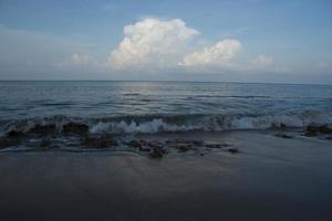 zee en wolken