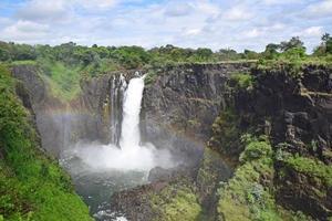 regenboog en duivelse cataract (devil's falls), victoria falls, zimbabwe foto