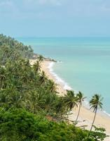 zeegezichtstrand in Nakhon Si Thammarat, Thailand foto