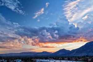 zonsopgang over de vallei van de Salt Lake City