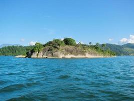 """brasil: geweldige costa verde (""""groene kust"""") in de buurt van paraty en rio"""
