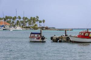 boten op oranjestad foto