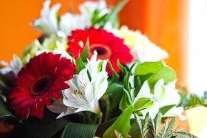 vieren boeket van verschillende bloemen