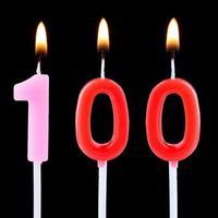 viering nummer honderd foto