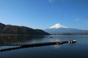 mt.fuji bij Lake Kawaguchi foto