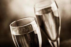 vier met champagne foto