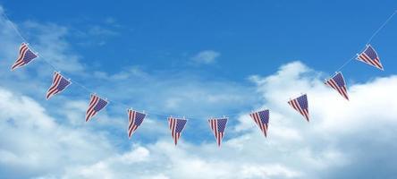 vlaggetjes met sterren en strepen foto