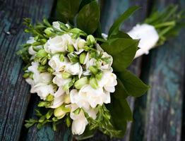 mooi wit huwelijksboeket foto