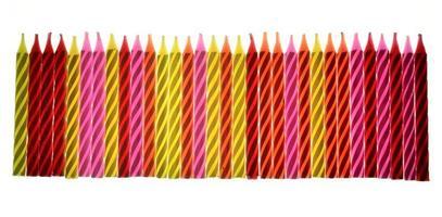kleurrijke verjaardagskaarsen foto