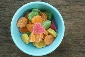 fruitgelei snoep harten in kom