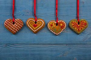 zelfgemaakte koekjes op een houten achtergrond foto