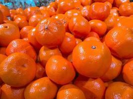 mandarijnen in een supermarkt.