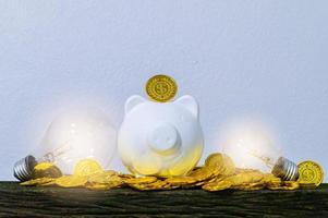 het concept geld besparen foto