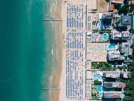 luchtfoto van het strand foto