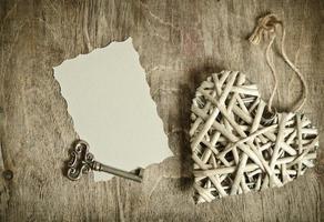 rieten hart handgemaakt met de sleutel foto