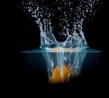 fruit spetteren in water