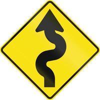 kronkelende weg links in australië