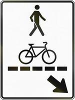 voetgangerspad en fietspad in Canada foto