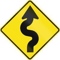 kronkelende weg midden in Australië