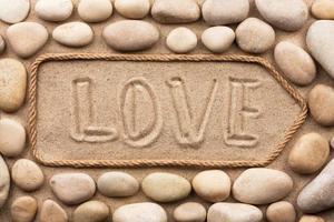 aanwijzer gemaakt van touw met een inscriptie liefde