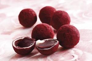 pralines gevuld met vruchtvlees foto
