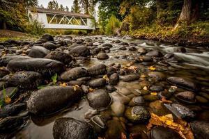 Larwood overdekte brug Linn County Oregon Driving Tour Creek View