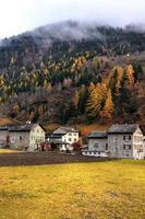 middeleeuws dorp. suiza. Zwitserland foto