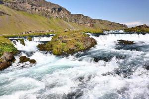 stroomversnellingen van een rivier in IJsland