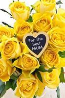 gele rozen foto