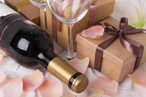 wijn en cadeau foto