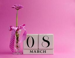 roze thema bewaar de datum voor internationale vrouwendag