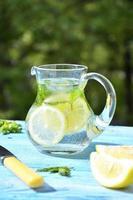 limonade in de kruik.
