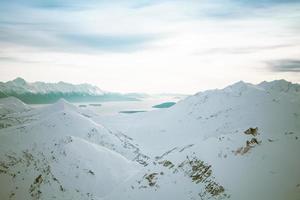 bergen en chilkat-inham in de winter