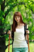 jonge vrouw reizen foto