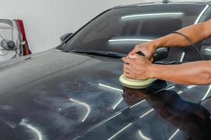 polijsten van een auto foto
