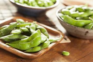 groene biologische edamame met zeezout