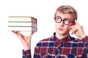 nerd man met boeken foto