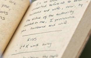 boek met huwelijksgeloften