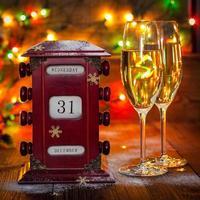 kalender, 31 december, glazen met champagne