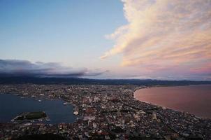 Hakodate stad in de schemering