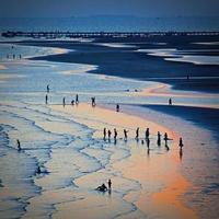 chaolao strand bij zonsondergang. chanthaburi, thailand foto