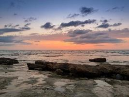 zonsondergang in Sardinië, Italië foto