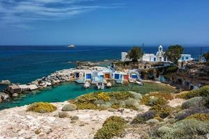 milos-eiland - cycladen, traditioneel vissersdorp foto