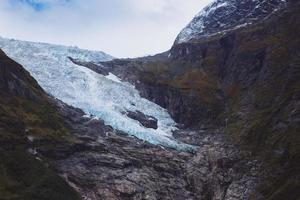 terugwijkende boyabreen-gletsjer - nationaal park jostedalsbreen foto