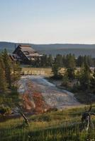 oude trouwe herberg in nationaal park yellowstone