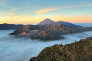 gunung bromo, java, indonesië foto