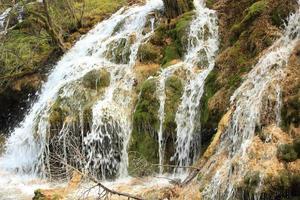 waterval in jiuzhaigou nationaal park, china foto