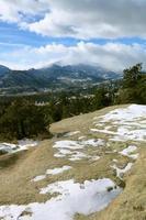 het uitzicht op de piek van Long in het Rocky Mountain National Park foto
