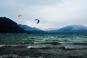 windsurfen op zee